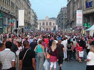 Foule rue Faidherbe lors de la Braderie de Lille 2005